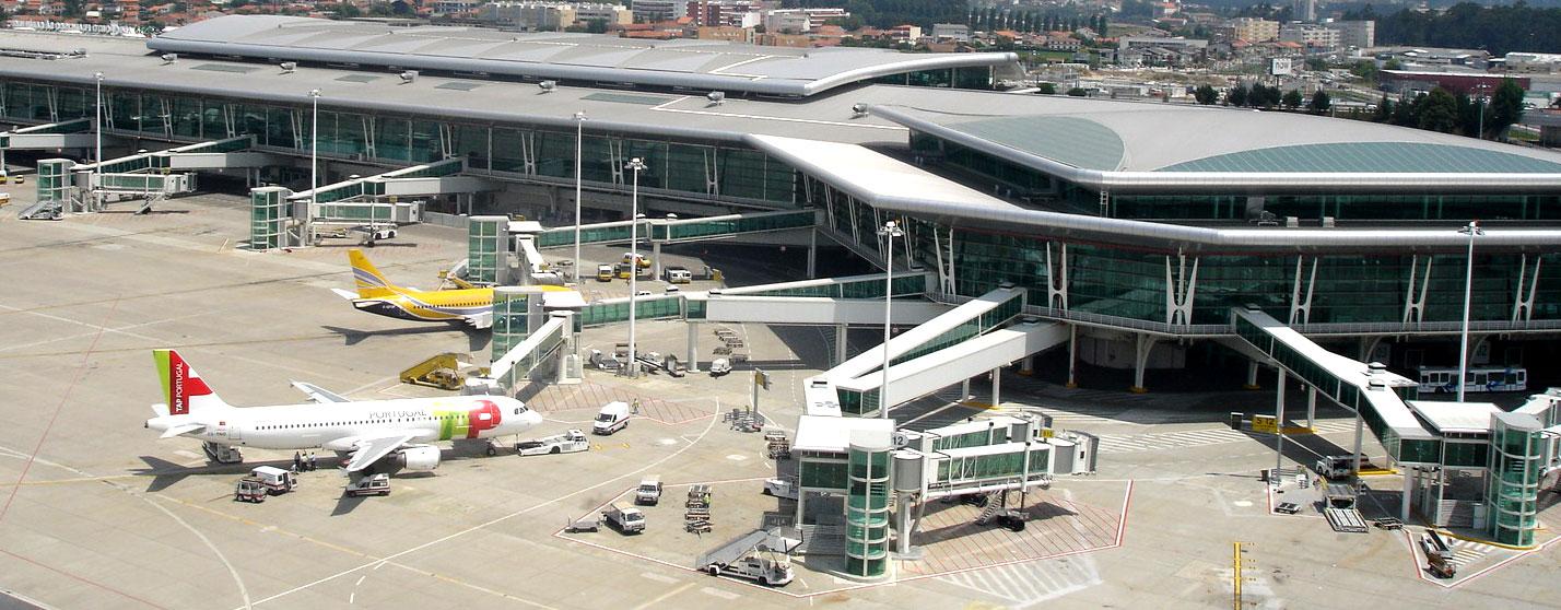 """O Aeroporto é uma infra-estrutura com enormes potencialidades de rentabilidade, agora que o investimento pesado já foi feito com o dinheiro de todos nós, com o dinheiro dos contribuintes. Trata-se agora que entregar este verdadeiro """"manjar"""" a grupos económicos … e com isso o PCP não pode estar de acordo."""
