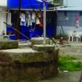 """Uma delegação da CDU, composta pelo Vereador Rui Sá, por membros da Assembleia Municipal e da Assembleia de Freguesia de Campanhã, visitou no passado dia 24 de Julho, uma das muitas """"ilhas"""" de habitação que ainda perduram no Porto."""