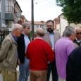 """O Vereador da CDU, Pedro Carvalho, acompanhado de outros eleitos da CDU na Assembleia Municipal e na freguesia de Aldoar, visitaram no dia 27 de Maio o chamado """"Bairro dos […]"""