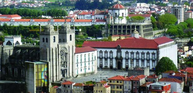 """Num projeto de resolução apresentado na Assembleia da República, o PCP sublinha que o centro histórico do Porto está sem este mecanismo de proteção do seu património, o que """"assume […]"""