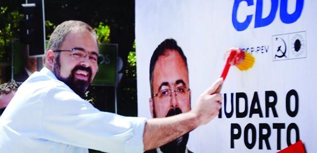 Dois dias depois da inauguração do Espaço CDU localizado na Rua do Bolhão, a candidatura da CDU ao Município do Porto procedeu à actualização da sua imagem no Porto. No […]