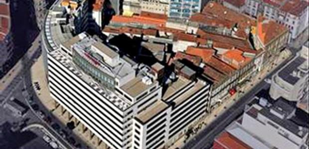 """A recente constatação de que, no âmbito do designado """"processo de reabilitação do quarteirão da Praça de D. João I"""", foram demolidos edifícios que estavam classificados como imóveis com interesse […]"""