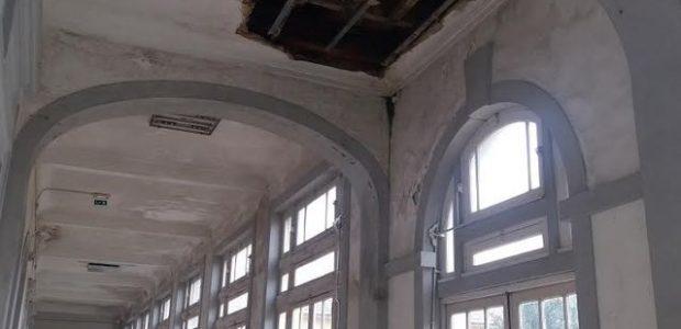 O PCP visitou esta segunda feira a Escola Alexandre Herculano, no Porto, no sentido de conhecer ainda melhor os problemas que esta enfrenta. Na visita e reunião feita com membros […]