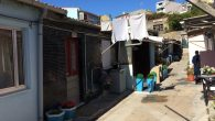"""Ilda Figueiredo vereadora da Câmara Municipal do Porto e Paulo Mourato, membro da Assembleia de Freguesia do Bonfim, visitaram as """"Ilhas"""" de habitação na rua de S.Vítor. Nesta visita foi […]"""
